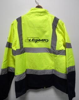 Keltainen painettu takki Legaato